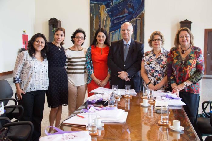 Ao lado de representantes da ONU Mulheres, o pres. do TJRJ, des. Luiz Fernando Ribeiro de Carvalho garantiu apoio às iniciativas voltadas para igualdade de gênero (foto: Brunno Dantas)