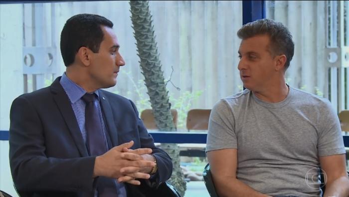 Juiz Sergio Luiz Ribeiro de Souza durante entrevista ao apresentador Luciano Huck.