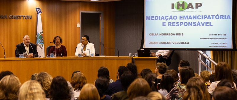 Juan Vezzulla, Célia Reis e Naura Americano  fazem exposição sobre a mediação familiar