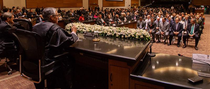 Solenidade realizada  no Plenário do TJRJ  reúne autoridades em comemoração ao Dia da Justiça