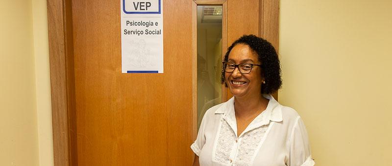 A assistente social Maria Aparecida Evangelista ressalta a importância da profissão para a ressocialização das pessoas