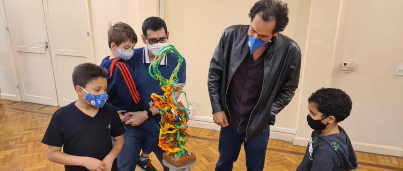 Museu da Justiça de Niterói encerra programação de férias com a visita do artista plástico Alexandre Pinhel